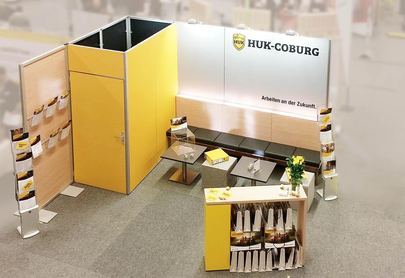 Entwurf Planung Messebau Messebauer Messestand HUK Coburg Messe Innenarchitekt Leipzig